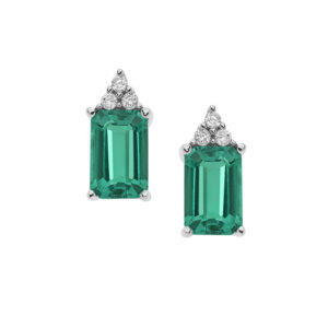 orecchini in oro bianco con diamanti e smeraldi verdi